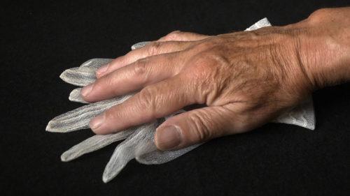 Bewaren of hoe te leven: hand op handschoentje